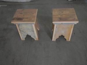 coppia di sgabelli in legno anni 80