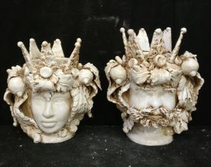 Rara coppia di Ceramiche di Caltagirone - Moro e Principessa - H 32 cm - Prima metà del 20° secolo - Sicilia