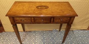Genoese desk