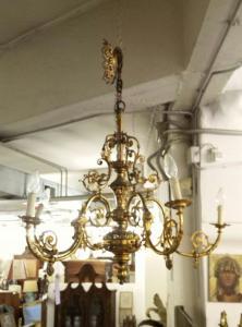 lampadario in bronzo dorato