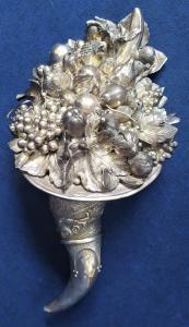Grande cornucopia in metallo finitura argento 925 -cm 60- Italia metà XX sec.