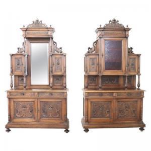 Spektakuläres Paar antiker Renaissance Sideboards aus geschnitztem Nussbaumholz. XIX VERHANDELBARER PREIS