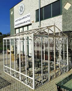 Serra da giardino in ferro battuto e vetro - 3 x 3 mt
