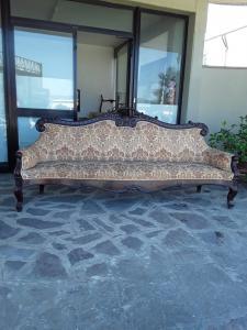 Bel divano in mogano  luigi filippo epoca 1800 di grande fascino l260 h120p60  del sud italia  garanzia termini di legge