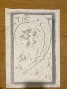 Dibujo a lápiz sobre papel que representa un friso de rocaille Firmado por G. Bonora Bologna (también firmado por el presidente de la escuela, el pintor Raffaele Faccioli)
