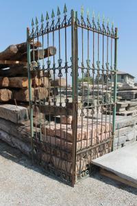 Portão de ferro forjado