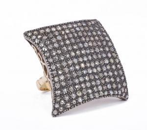 Кольцо из 18-каратного золота и серебра с алмазными розетками, 1940-е годы