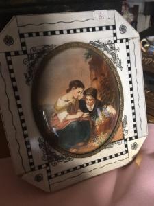 Miniatura sobre marfil, tomada de una pintura de Utrillo