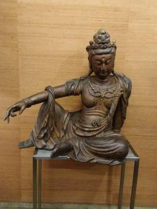 Kwan Yin wood asiatides sculpture