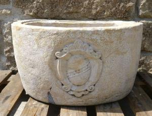 Lavandino/Grande acquasantiera con Stemma Araldico - 55 cm x 45 cm - Marble Nembro Tabaccon - 18° secolo - Lago di Garda