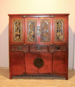 LACQUERED CHEST OF CHINA XIX CENTURY