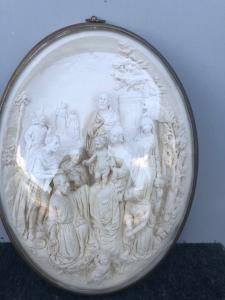 Bassorilievo in schiuma di mare ( magnesite ) raffigurante presentazione di Gesu'al tempio.Firma.E.Cassier.Francia.