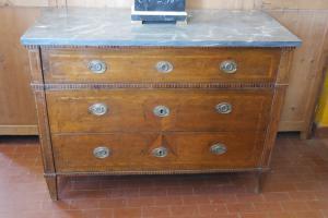 路易十六抽屉柜Piedmont镶嵌18世纪末实心胡桃木抽屉柜