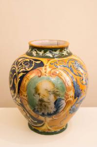 Vaso in ceramica decorato a mano, Fratelli Cacciapuoti, Napoli