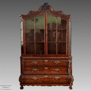 Antique Glass Display Case Louis XV in inlaid walnut - Dutch period 700