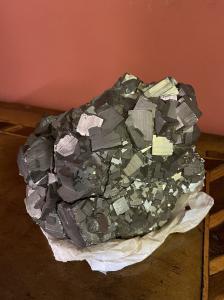 grande pedra de mineração de pirita