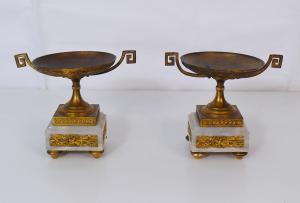 一对青铜和大理石杯-CA / 1135