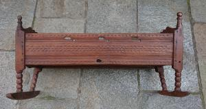 Wonderful cradle in carved cirmolo late XVIII-beginning XIX century