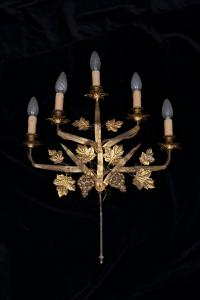 Copy of appliques in gilded iron with five light points