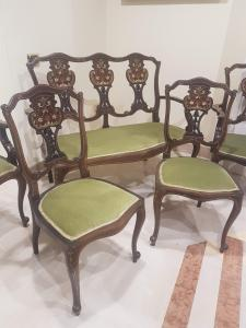 divano + due poltrone +due sedie vittoriane