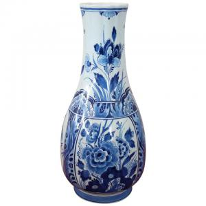 Schöne klassische künstlerische Keramikvase in blauer Farbe Delft Marke 1960