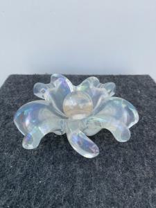Floral-shaped iridescent transparent glass ashtray.Barovier Ferro Toso, Murano.