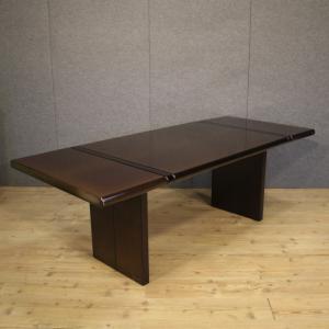 Italienischer Designtisch aus exotischem Holz