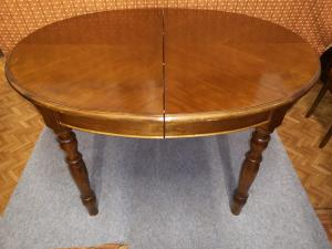 Tavolo ovale allungabile