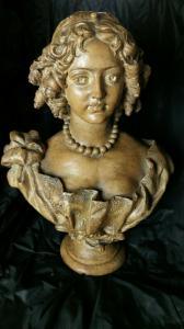 Mitad de busto de terracota