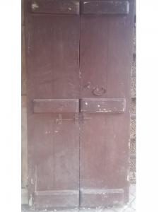 Tür mit 2 Türen
