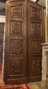 ptci449 door carved ep. 700 in Piedmontese walnut, mis. h cm295 x 140