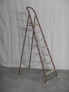 铁楼梯70年