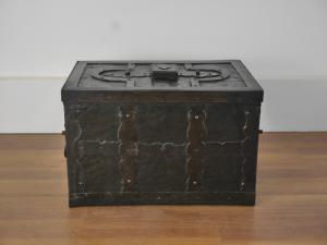 Ancient iron chest Nuremberg 17th century Eisenkassette safe coin box