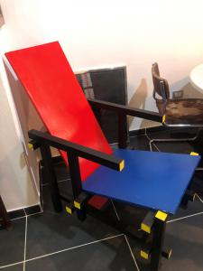 Poltrona rossa e blu Gerrit Rietveld