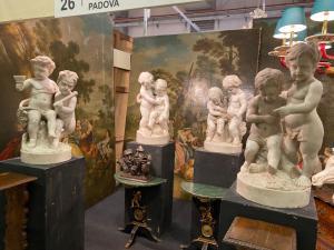 Quattro sculture in marmo 90h
