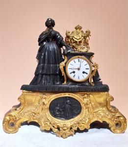 Relógio de bronze da época de Napoleão III