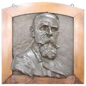 Escultura de bronce, retrato de un caballero, principios del siglo XX.