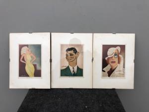 Três cartões postais emoldurados com caricaturas de Nino Za.