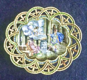 Crespina em faiança podada com arabescos na aba e decoração historiada. Manifattura Minghetti. Bolonha.
