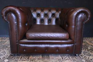 切斯特菲尔德俱乐部模型扶手椅,采用原装英国巧克力棕色皮革