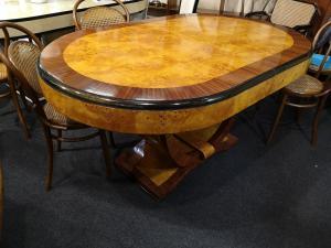 Art-Deco-Tisch