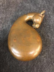 Box (gunpowder holder?) In copper with a horse's head.