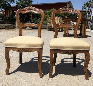 due sedie in noce del 1800