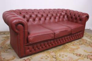 Divano chesterfield / chester club 3 posti in pelle originale inglese rosa scuro
