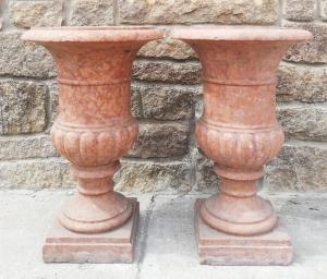 Coppia di Vasi Medicei - Unico Blocco, baccellati - H 80 cm - Marmo Rosso Verona - 19° secolo