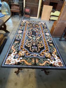 Tisch mit Marmor und Schmiedeeisenplatte 245x123x80h