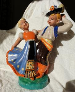 Bailarines - cerámica komlos 1930