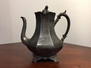 维多利亚时代的茶壶 -  800结束 - 英语