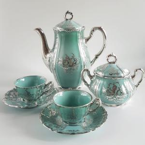 Arrigo Finzi,带有蓬巴度装饰的瓷器和银咖啡服务