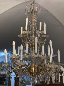 BRONZE-Kronleuchter mit Kristallen Frankreich 1850